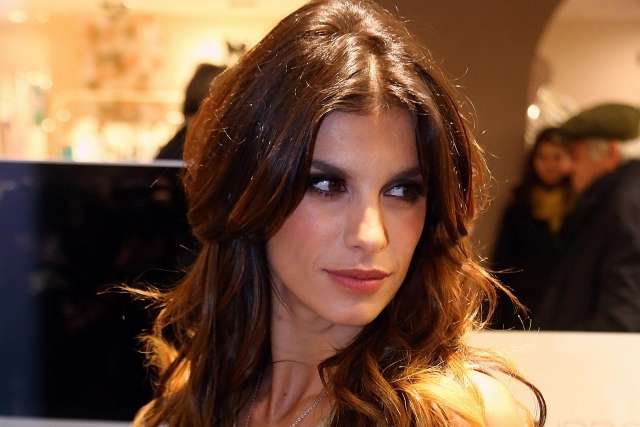 """Элизабетта Каналис. Итальянская модель и телезвезда ждала первого ребенка от своего бойфренда, когда случился выкидыш. """"Мы можем только принять это"""" , – написала она на своей странице в соцсетях."""