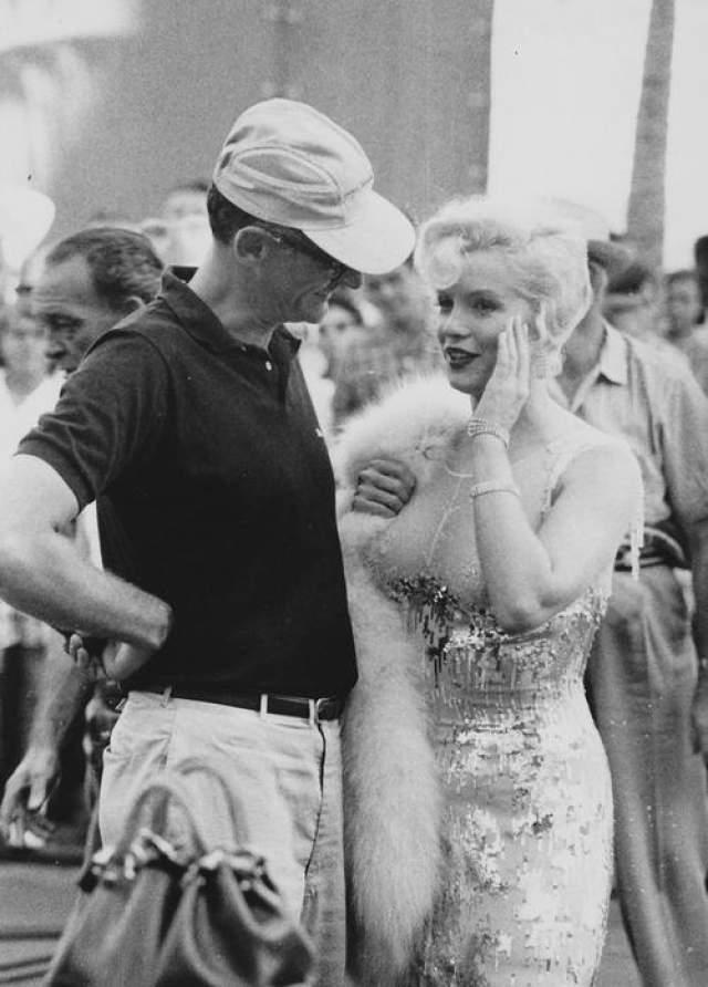 "Мерли Монро и Артур Миллер на съемках фильма ""В джазе только девушки""."