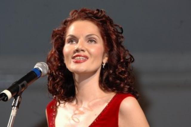 ...певица Нина Шацкая...