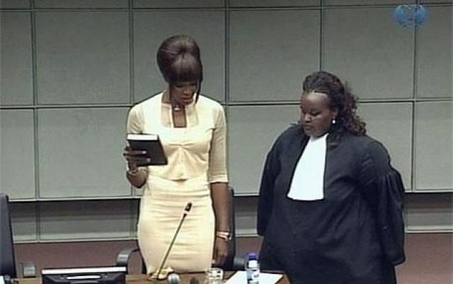 В 2010 Наоми была вызвана в Гаагский суд в качестве свидетельницы по делу Чарльза Тейлора, бывшего либерийского диктатора, который обвинялся в преступлениях против гражданского населения и развязыванию гражданской войны в соседнем государстве Сьерра-Леоне.