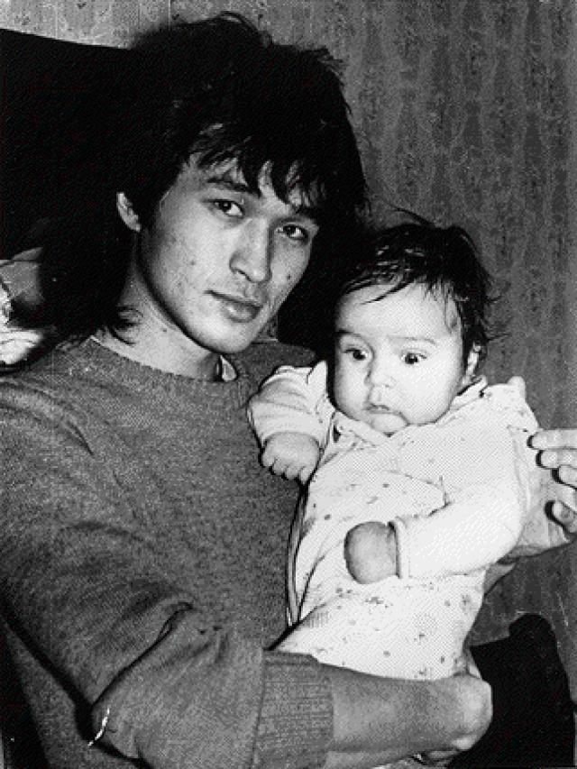 А в августе 1985 года у Виктора и Марьяны рождается сын Саша.