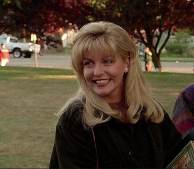 Шерил Ли. Роль Лоры Палмер была вторая по счету в жизни Шерил Ли. Актриса говорит, что после сериала она получала сценарий за сценарием, в котором должна была сыграть юную жертву убийства или насилия.