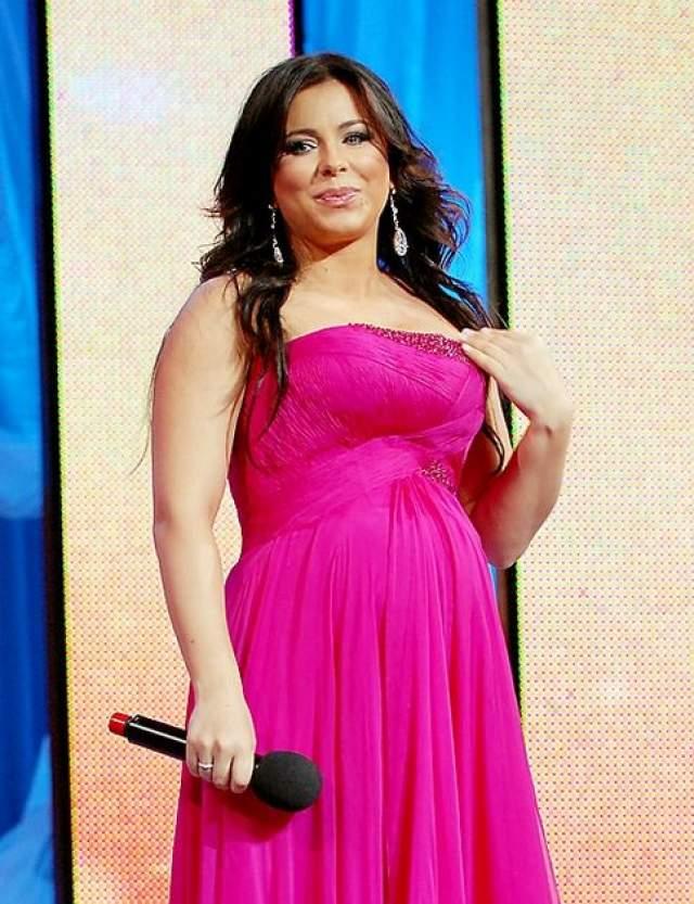 Ани Лорак набрала лишний вес после рождения ребенка, но певица не растерялась и решила дать бой ненужным 15-ти килограммам.