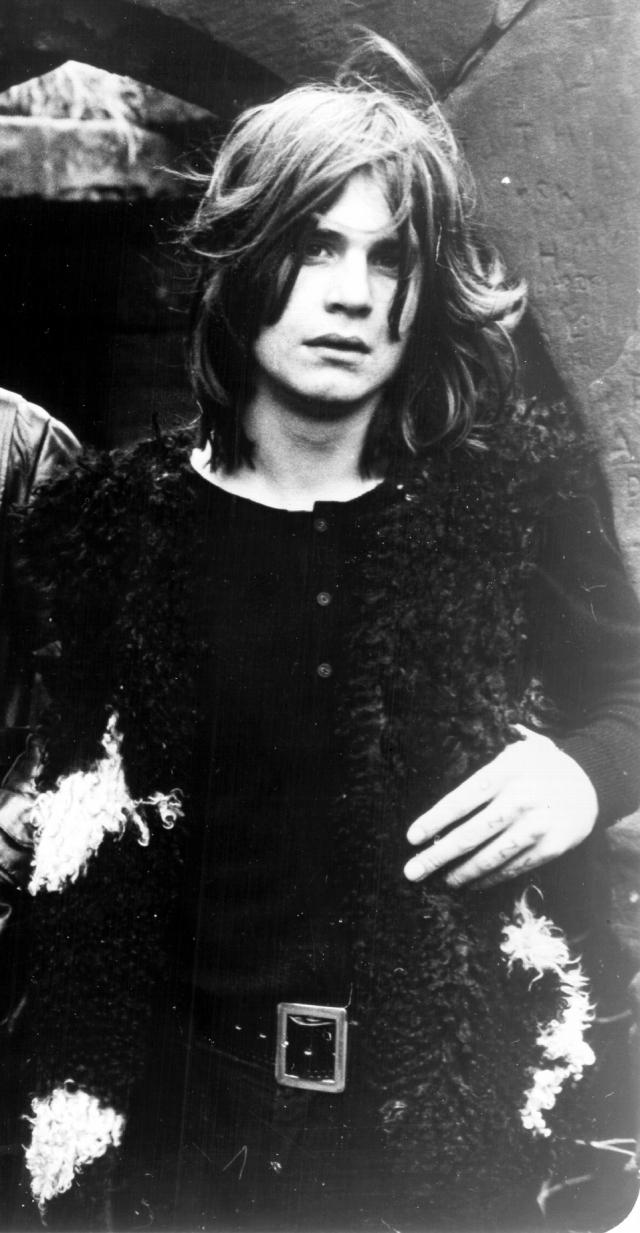 Оззи Осборн. Рок-легенда пытался повеситься на бельевой веревке, когда ему исполнилось 14 лет.