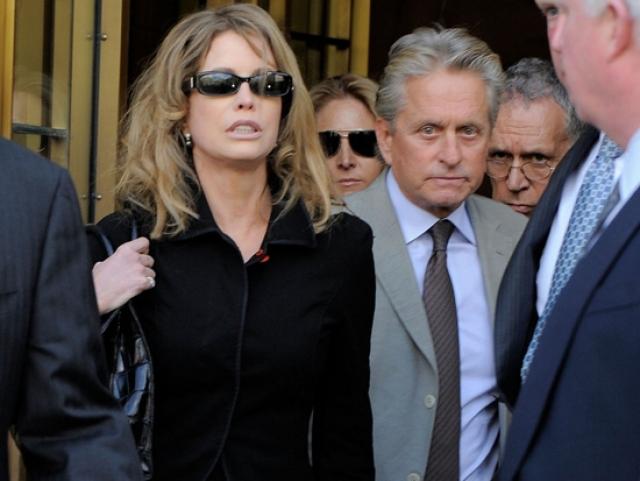 При разводе бывшая супруга актера получила 45 миллионов долларов.