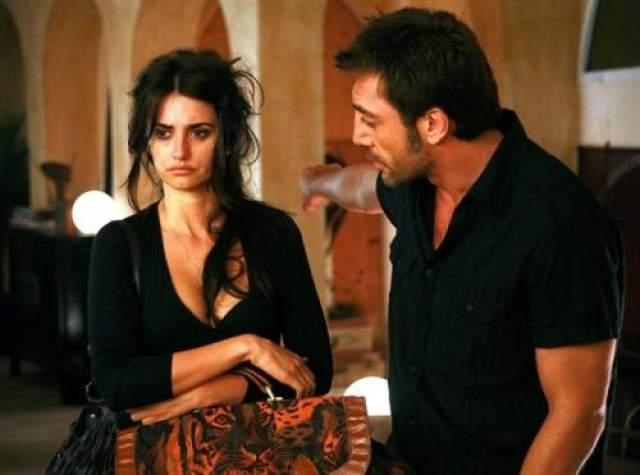 """Испанские звезды Хавьер Бардем и Пенелопа Крус познакомились и впервые сыграли любовников, когда снялись в романтическом фильме 1992 года с неоромантическим названием """"Ветчина, ветчина"""" (или """"Хамон, хамон"""")."""