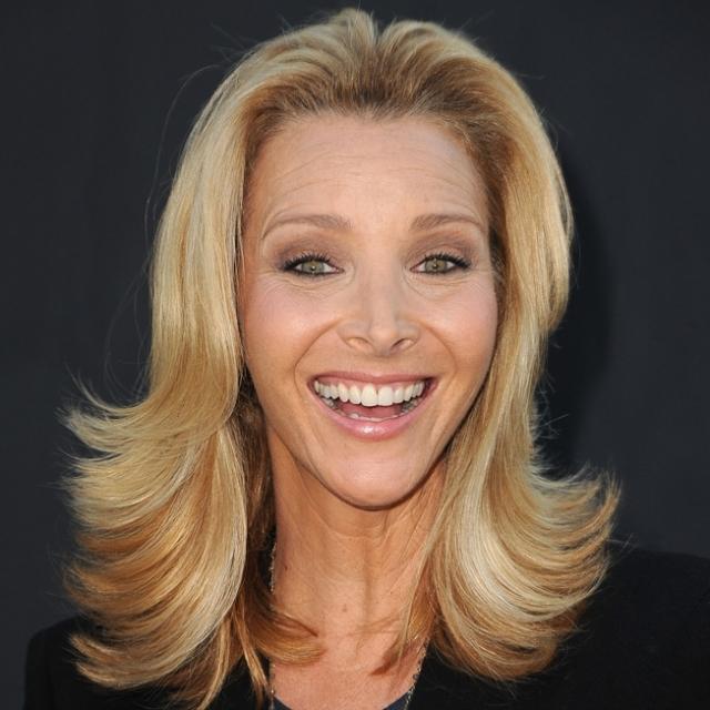 Лиза Кудроу. Актриса однажды призналась, что потеряла девственность только после замужества в 1995 году.