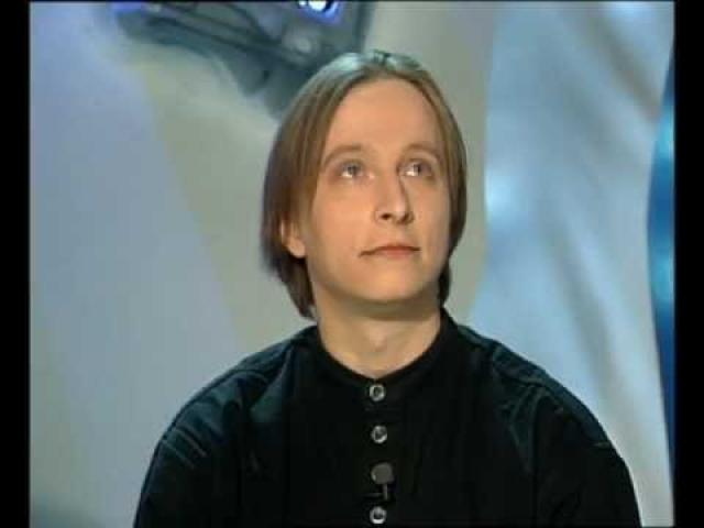 """О приверженности Ивана Охлобыстина к православию общественности стало известно еще в 1997 году, когда он начал вести религиозную телепередачу """"Канон""""."""