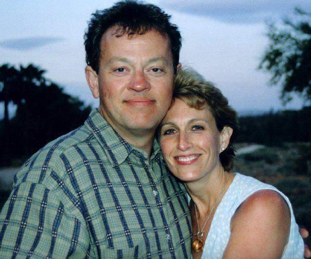 Беда пришла внезапно. 7 января 2001-го во время семейного праздника он потерял сознание, а прибывшие врачи уже не смогли ему помочь. Дэвида скончался от сердечного приступа за девять дней до его 51-летия.