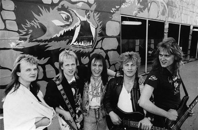 """""""Парк Горького"""" - в конце 80-х годов завоевала известность в США и стала первой советской группой, появившейся на телеканале MTV. На снимках не многие узнают Александра Маршала и Николая Носкова , известных ныне в других амплуа."""