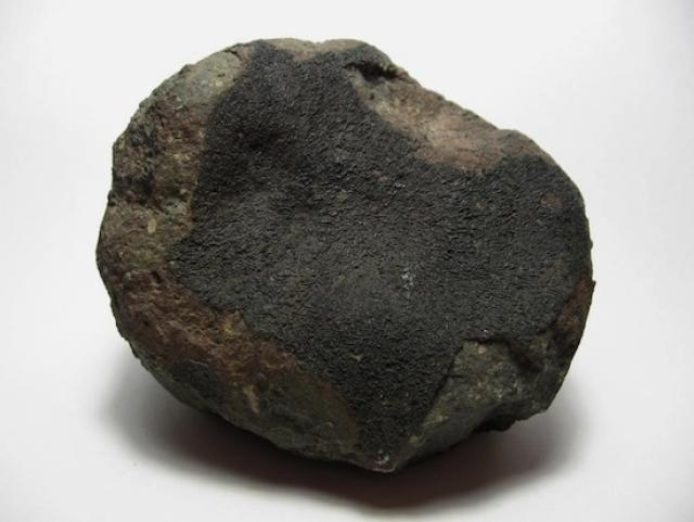 В состав метеорита составе впервые был найден неизвестный ранее минерал, получивший название пангит: учёные предполагают, что такой минерал входит в состав множества космических объектов, в частности, астероидов.