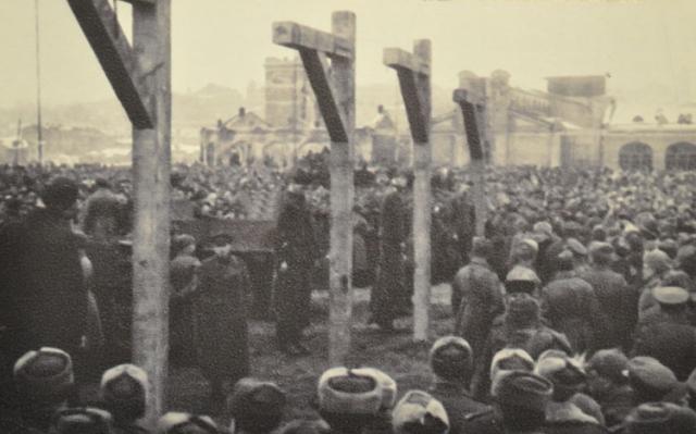 В нашей стране последняя публичная казнь состоялась в Ленинграде 5 января 1946 года.