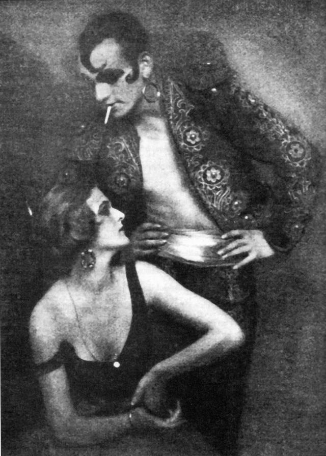 """Анита вышла замуж за гомосексуалиста Себастьяна Дросте, своего партнера по танцам, и представила вместе с ним совместную программу """"Танцы порока, ужаса и восторга""""."""