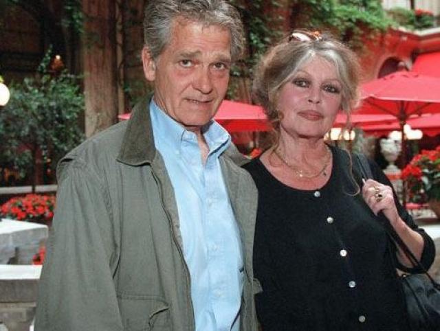 В 1992 году Бардо вышла замуж за политика и предпринимателя Бернара д'Ормаля . Брак продолжается по сей день.