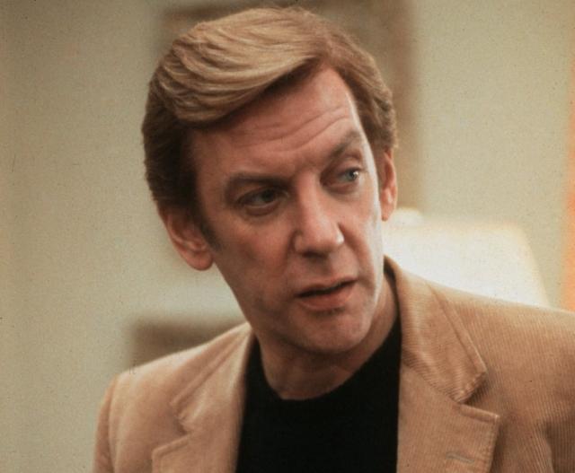 Дональд Сазерленд. Во время однодневных съемок в Югославии актер подхватил менингит, который едва не унес его жизнь.