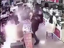 В Китае iPhone взорвался после того, как покупатель его укусил