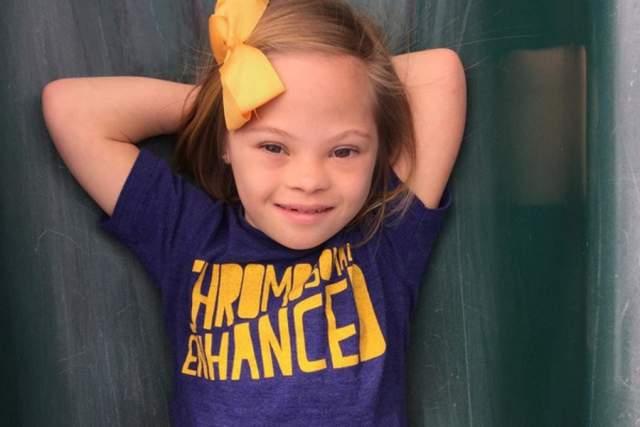 Маленькая красавица стала популярной после видео, в котором она говорит, что быть больным синдромом Дауна не страшно. Все, кто его имеют – особенные.