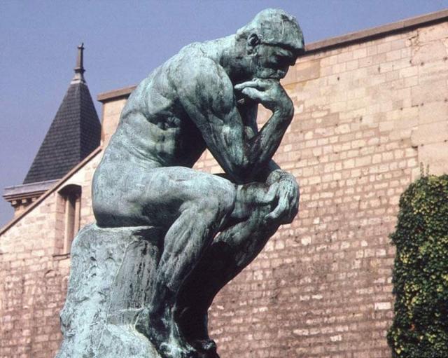 """""""Мыслитель"""" - одна из самых известных скульптур Огюста Родена . По замыслу автора скульптура изображает Данте, гениального создателя """"Божественной комедии""""."""