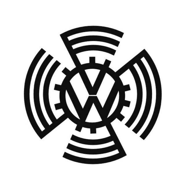 """Volkswagen. Первый """"народный автомобиль"""" создали по поручению Гитлера в 1938 году, и логотип 1939 года, созданный в фашистской Германии, представлял собой стилизованную свастику в виде вращающегося механизма."""