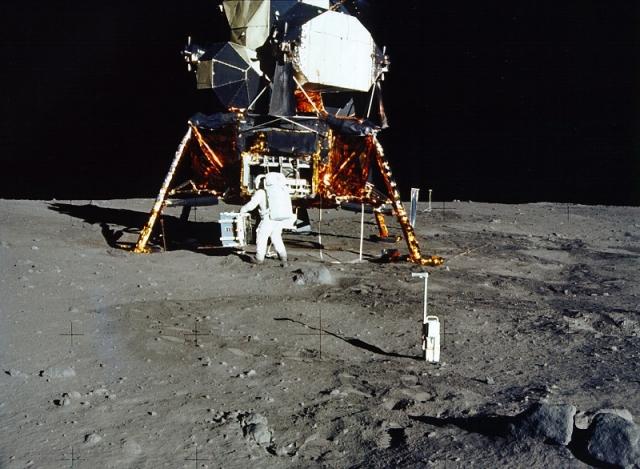 Одним из распространенных аргументов сторонников теории лунного заговора является сделанное еще в 1958 году открытие радиационных поясов Ван Аллена.