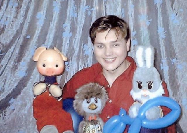 """Дима. Один из самых молодых ведущих передачи, в обращении к которому герои даже опускали слово """"дядя"""" - Дмитрий Хаустов."""