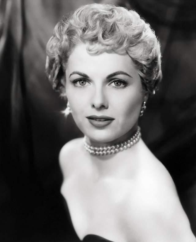 """Марта Хайер, 1924-2014. Американская актриса впервые появилась в кино в возрасте 11 лет в фильме """"Громовая гора"""" (1947)."""