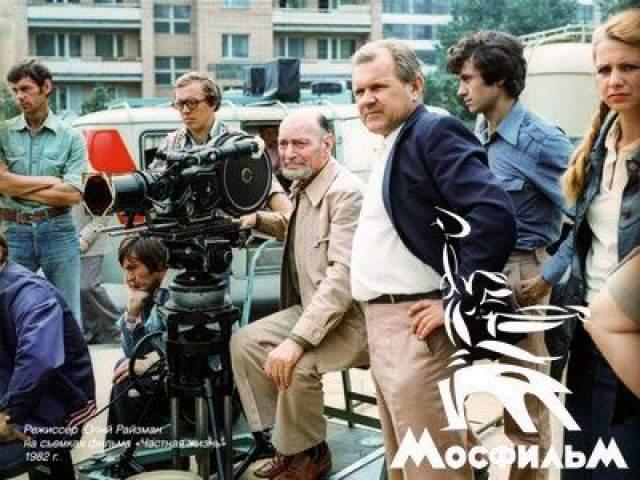 """Юлий Райзман, """"Частная жизнь"""" (1982). Кинолента с Михаилом Ульяновым в главной роли - неожиданность для многих. Во-первых, Райзман не снимал тех, кто часто мелькал на экранах, во-вторых, лента стала своего рода предсказанием завтрашнего дня - как это часто бывало у режиссера."""