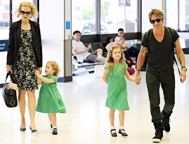 В следующем браке с музыкантом Китом Урбаном Николь родила дочь Сандэй Роуз самостоятельно.