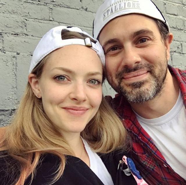 """Они познакомились на съемках """"Последнего слова"""", вместе выступали на Бродвее и, как признавалась актриса, """"целовались тысячи раз"""", прежде чем поняли, что хотят быть вместе всю жизнь."""