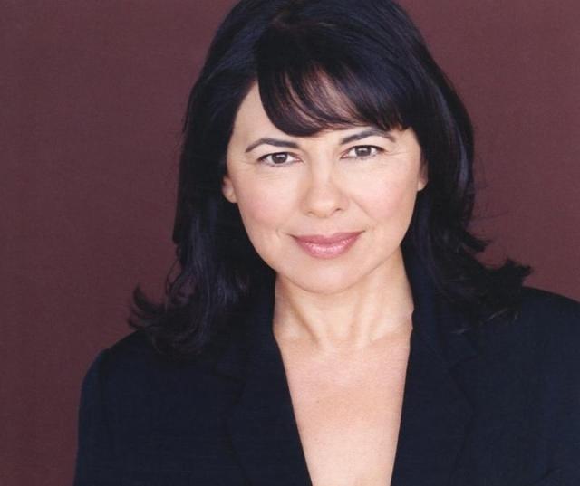 """Сейчас 60-летняя актриса продолжает сниматься. Среди ее работ такие фильмы как """"Крылатые существа"""", """"Исчезновение"""" и другие."""