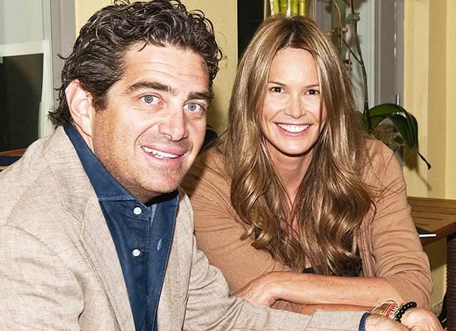 53-летняя Эль Макферсон разошлась с миллиардером Джеффом Соффером после четырех лет брака.