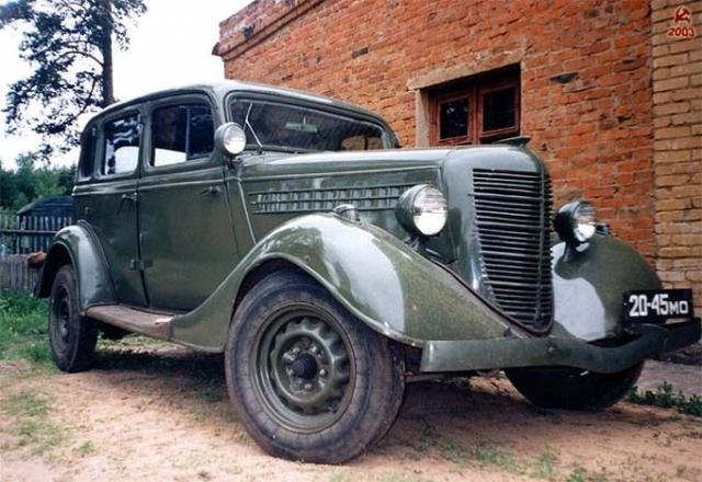 Легковой автомобиль ГАЗ-11-73 выпускался в 1940-1948 годах, развивал максимальную скорость в 120 км/ч и имел мощность 76 л.с.