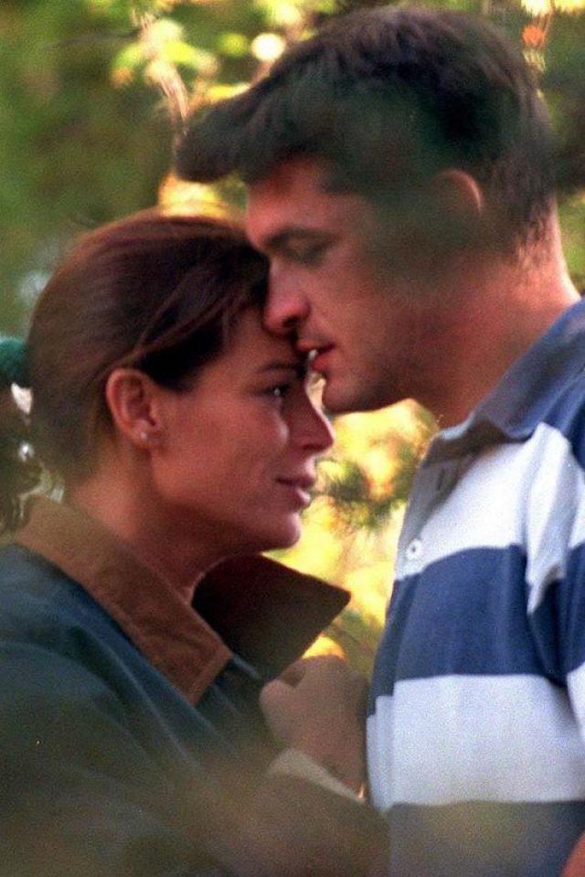 Ее новым возлюбленным стал телохранитель Джин Рэймонд Готлиб, который предположительно стал отцом родившейся у Стефании в 1998 году дочери Камиллы.