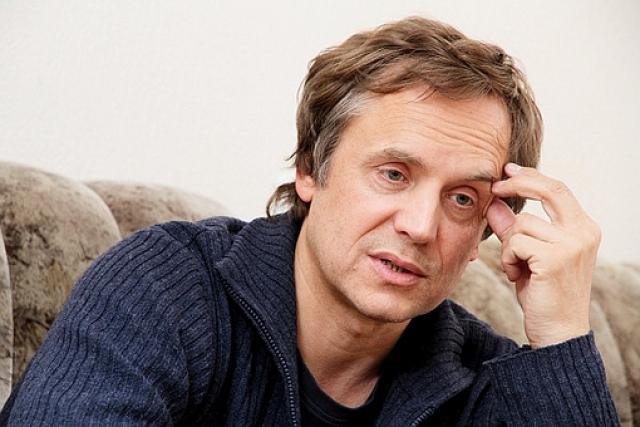 Сейчас актеру 52 года, он продолжает активно сниматься, но в основном в телесериалах. В 2005 году Соколов получил звание народного артиста Российской Федерации.