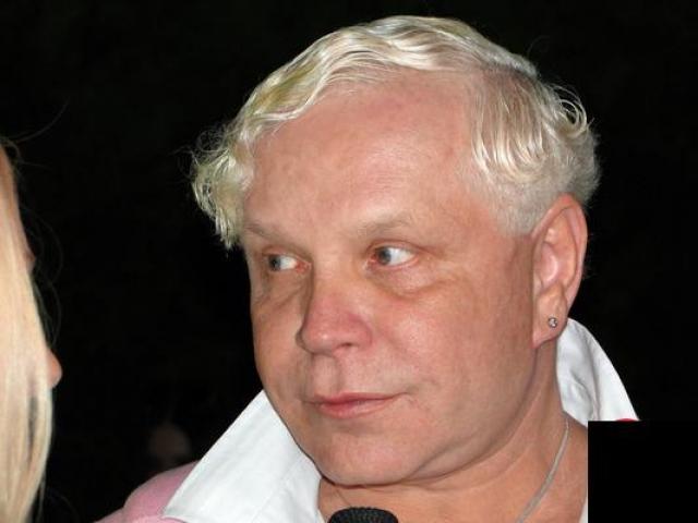 Борис Моисеев. Да, и российских звезд сильного пола без макияжа иногда сложно узнать.