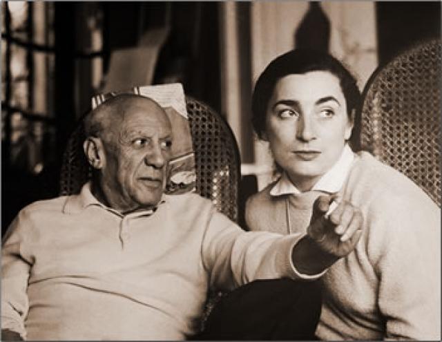 На протяжении последних двух десятилетий жизни Пикассо с ним рядом была Жаклин Рок.