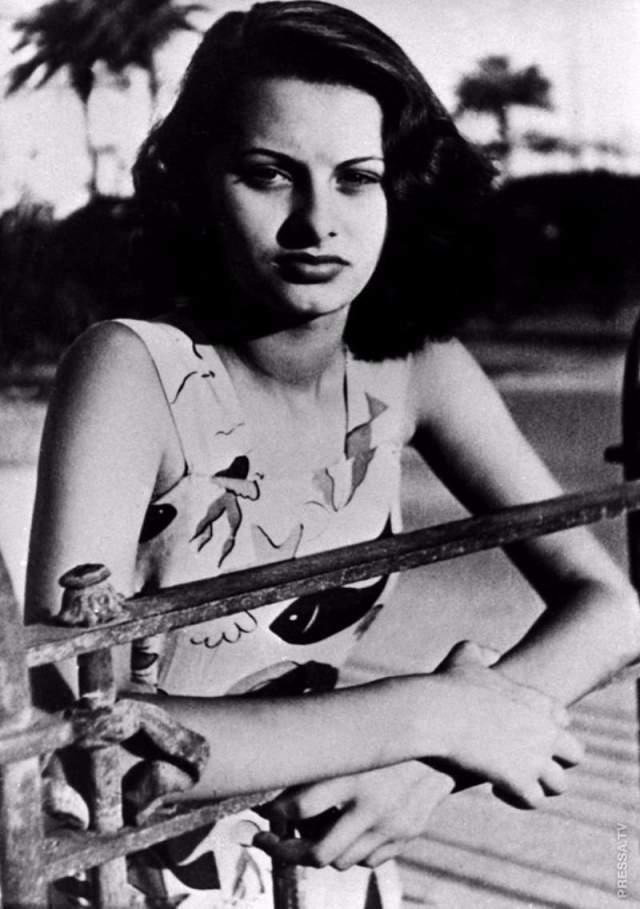 Уехав в Европу, она добилась большего, и в последующие 15 лет актриса смогла поработать практически со всеми культовыми актерами американской сцены - Фрэнком Синатрой, Кларком Гейблом, Чарли Чаплином и Марлоном Брандо, а также с Полом Ньюманом и Жаном Габеном.