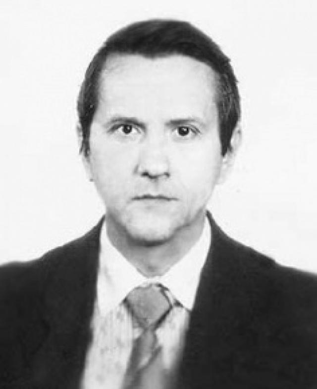 В 1988 году, благодаря стараниям матери, переведён в Ленинград, в психиатрическую больницу № 3 имени Скворцова-Степанова. В 1990 году освобождён решением Военной коллегии Верховного Суда СССР. Получил однокомнатную квартиру в Ленинграде, где проживает, получает пенсию по инвалидности.