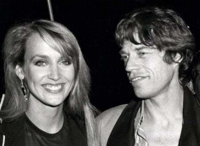 Мик Джаггер и Джерри Холл. Модель подала на развод с лидером легендарной группы Rolling Stones после 22 лет совместной жизни.