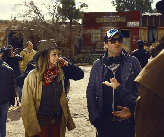 Изначально создатели фильма хотели пригласить на эту Монику Беллуччи, но не срослось: в ее плотном расписании не нашлось свободных дней. А вот Шэрон Стоун согласилась.