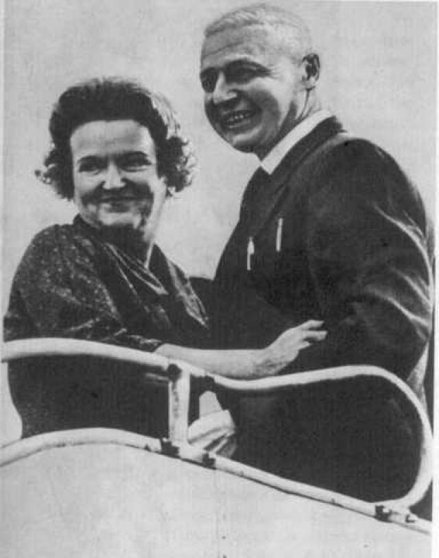 По прибытию в СССР супруги были удостоены звания Героев Советского Союза, и участвовали в подготовке новых разведчиков.