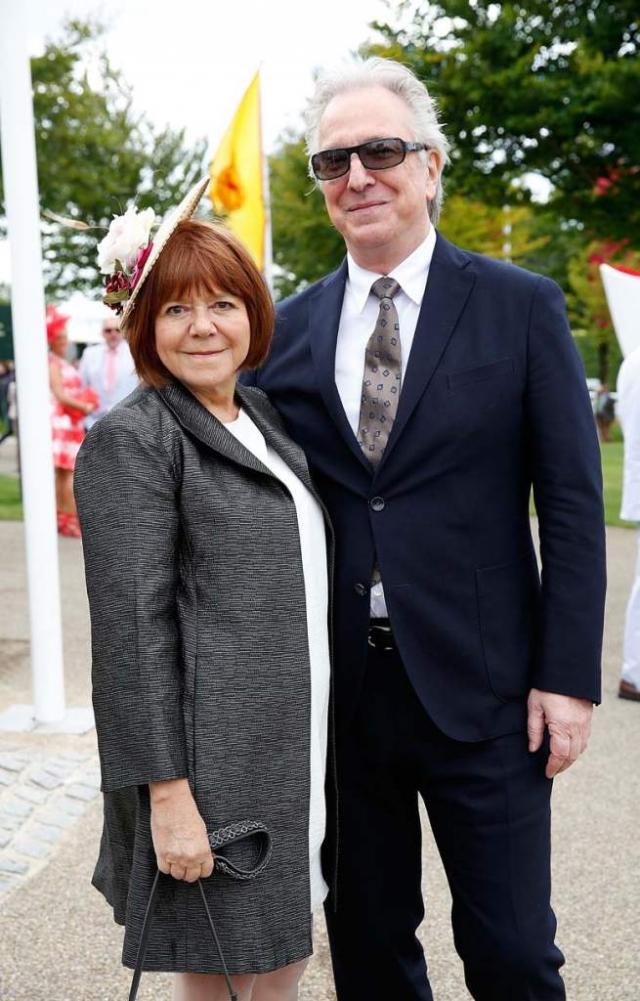 Спустя 47 лет знакомства пара узаконила свои отношения. Они тайно поженились в 2012 году в Нью-Йорке. Вместе они прожили до самой кончины Рикмана в 2016 году.