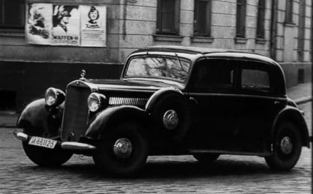 """На съемки в ГДР группе пришлось взять почти весь свой реквизит, в который входил и автомобиль Штирлица марки """"Мерседес"""" (из гаража студии имени Горького). Немецкие умельцы, осмотрев """"мерс"""" времен войны, заявили, что работать он вряд ли сможет."""