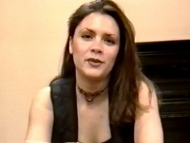 """Похудение Виктории началось, когда один из продюсеров Spice girls травмировал девушку словами: """"Если уберешь свои жировые складки, сделаешь нам всем большое одолжение"""". При этом присутствовали все ее коллеги."""