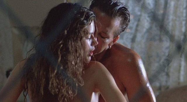 После выхода в прокат фильма актриса получила большую известность, отчасти в связи со слухами, что их с Микки Рурком постельные сцены в фильме не были фикцией.