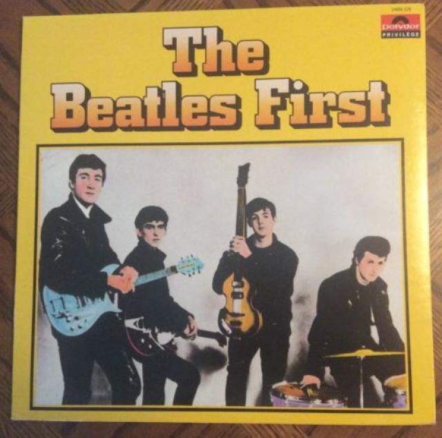 """Первую запись """"The Beatles"""" сделали в 1958-м году. Это была пластинка, записанная в местной студии за пять фунтов. Спустя 23 года, эту пластинку Пол выкупил у одного из участников записи – Даффа Лоу."""