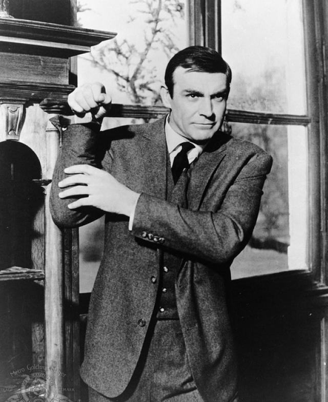 """Следующий фильм """"Шаровая молния"""" (Thunderball) на заставил себя ждать в 1965 году. Бондом уже в четвертый раз стал Шон Коннери."""