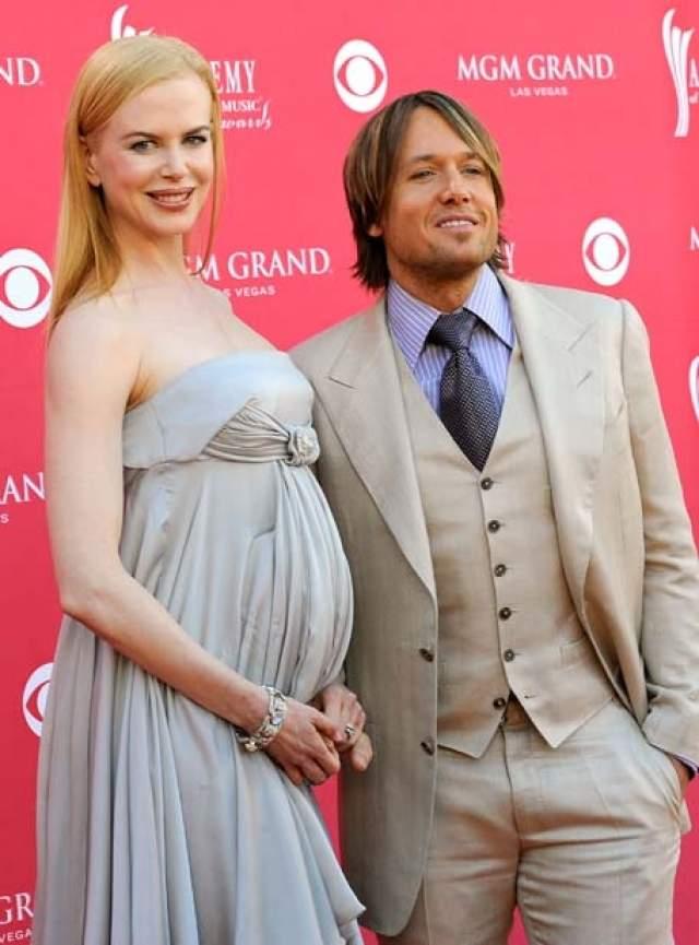 От музыканта Кита Урбана у актрисы родилась дочь Сандэй Роуз.