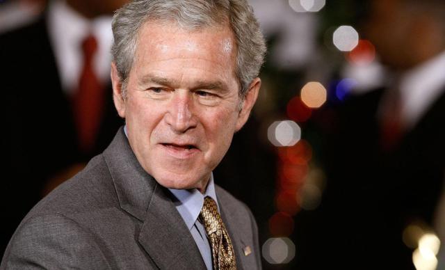 На одном из саммитов в 2007 году Буш заявил, что премьер-министр Австралии Джон Говард год назад навещал в Ираке австрийские войска (вместо австралийских).