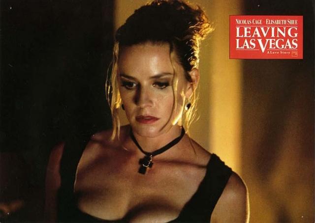 """Элизабет Шу, фильм """"Покидая Лас-Вегас"""". Психологическая драма об отношениях между алкоголиком и проституткой, живущими в Лас-Вегасе, актриса играет женщину легкого поведения с золотым сердцем."""